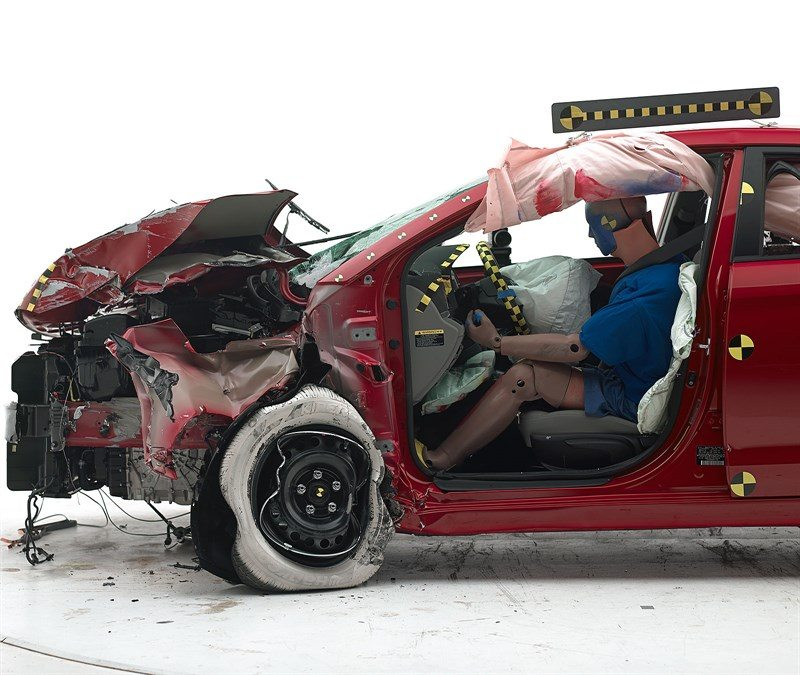2017 Hyundai Elantra crash test IIHS (1)