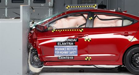 Upcoming 2017 Hyundai Elantra scores well in IIHS crash test