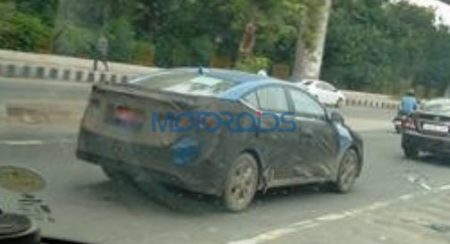 SPIED: 2017 Hyundai Elantra in blue spotted during doing rounds in Delhi