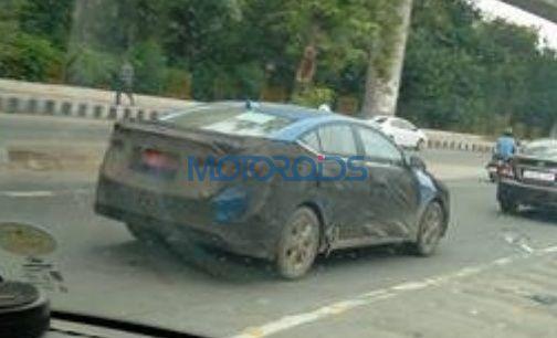 2017 Hyundai Elantra spied in Blue (2)