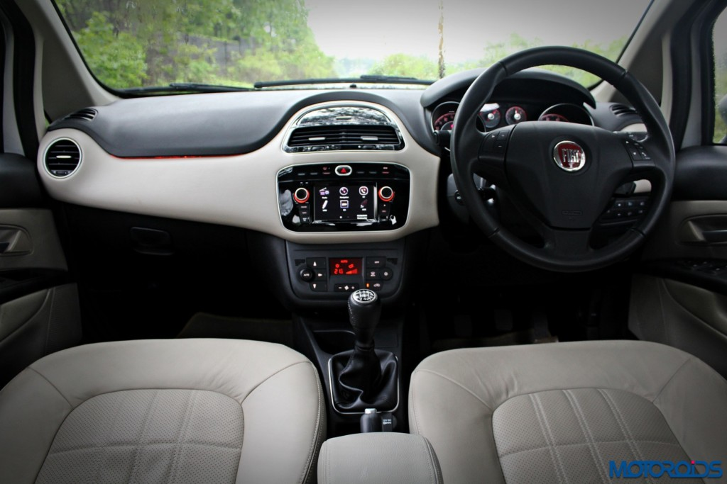 Fiat Linea 125S dashboard
