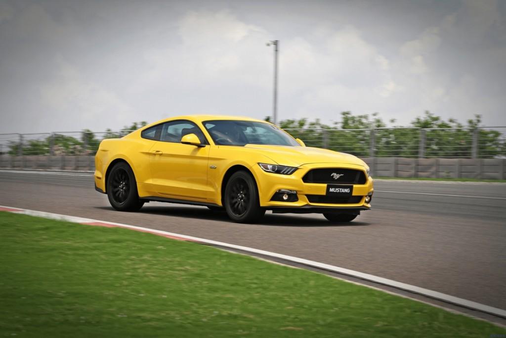 Ford-Mustang-Motoroids-16