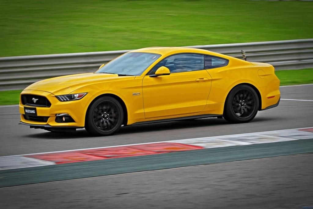 Ford-Mustang-Motoroids-9