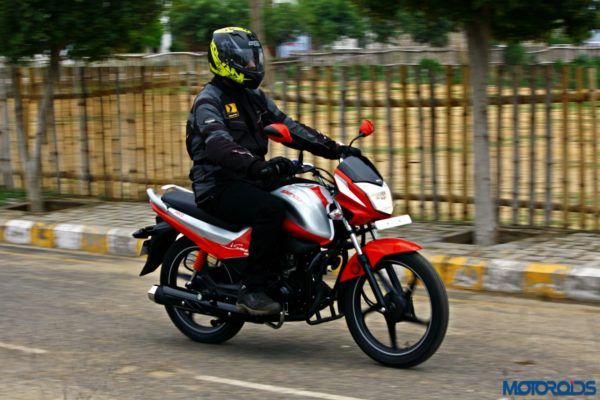 Hero MotoCorp Splendor 110 iSmart action (28)