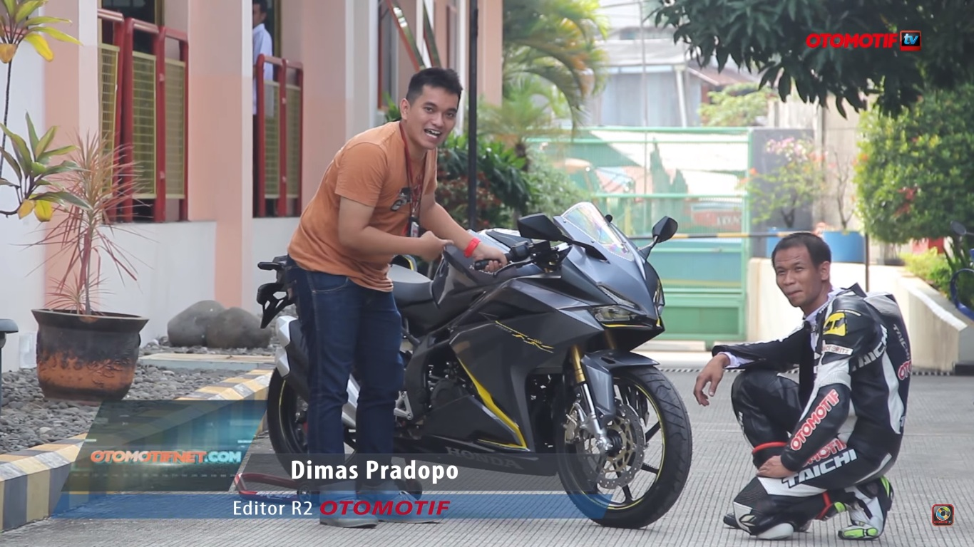 Honda CBR250RR - First Impressions - 3