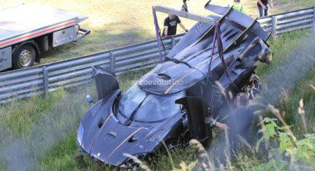 Koenigsegg One.1 crash (8)