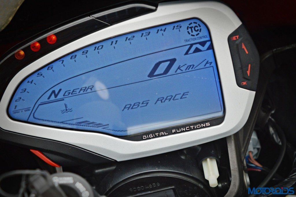 MV Agusta F4 R instrument console (14)