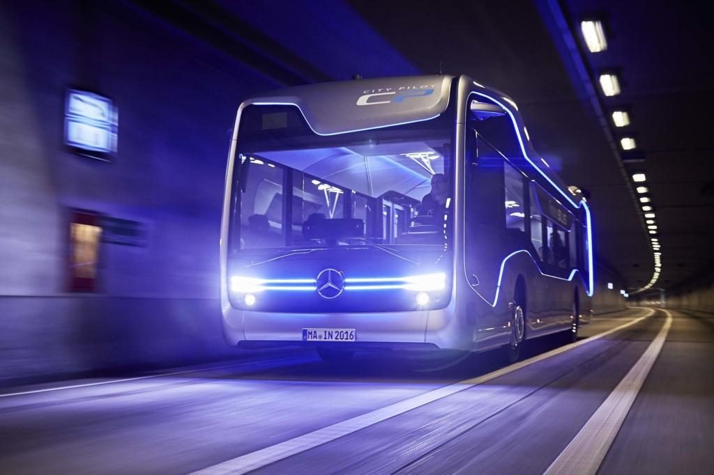 Mercedes-Benz Future Bus with City Pilot (2)