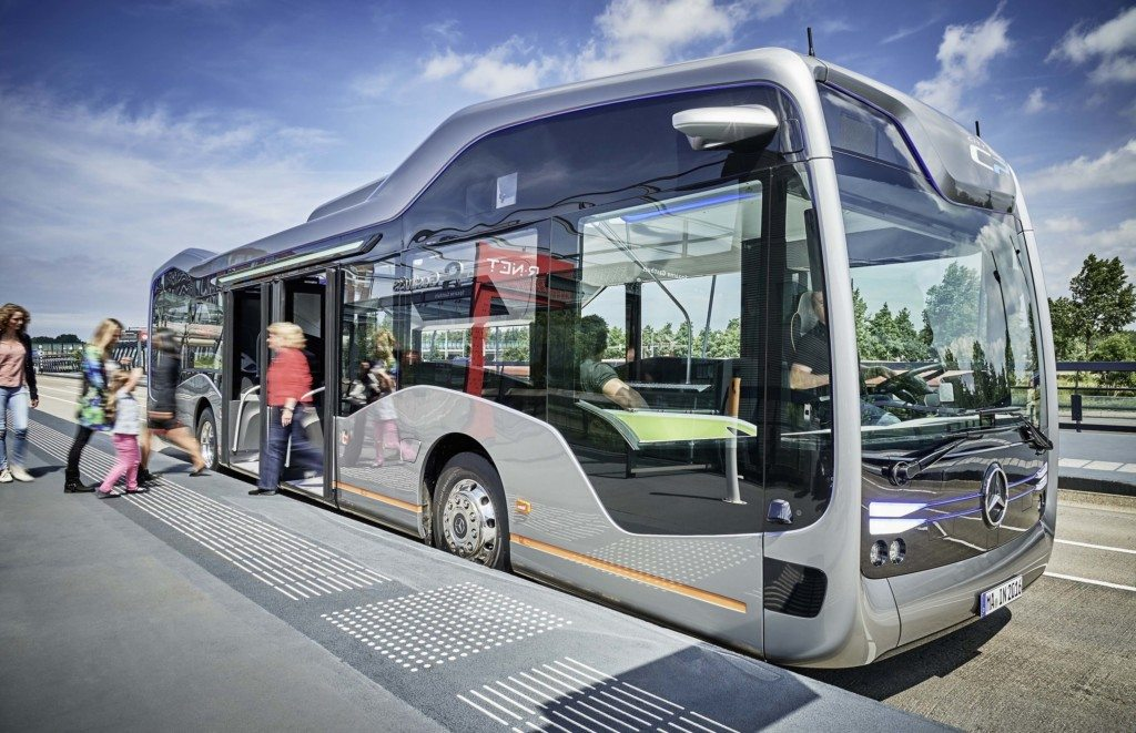 Mercedes-Benz Future Bus with City Pilot (5)