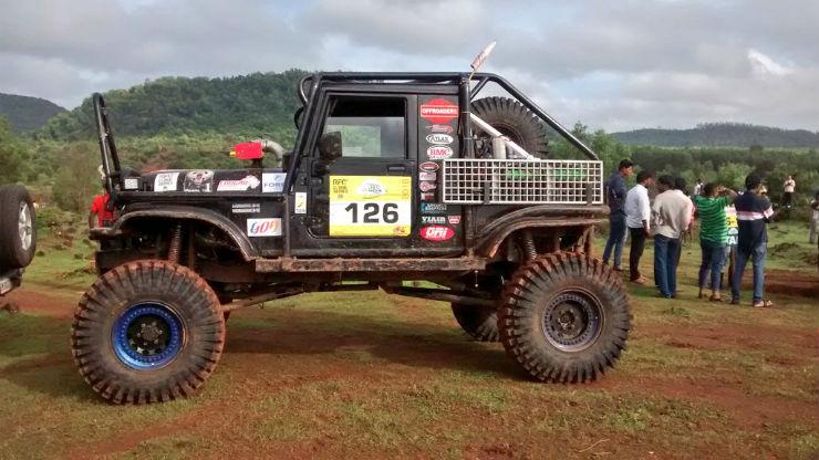 Modified Mahindra Thar with 330 bhp V8 engine (1)