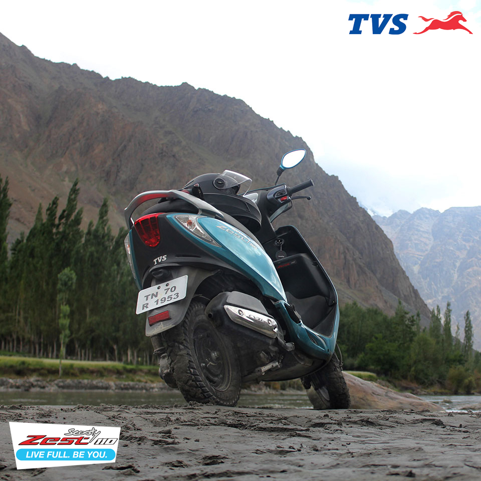 Ride to Khardung La On my TVS Scooty Zest – Anam Hashim (1)