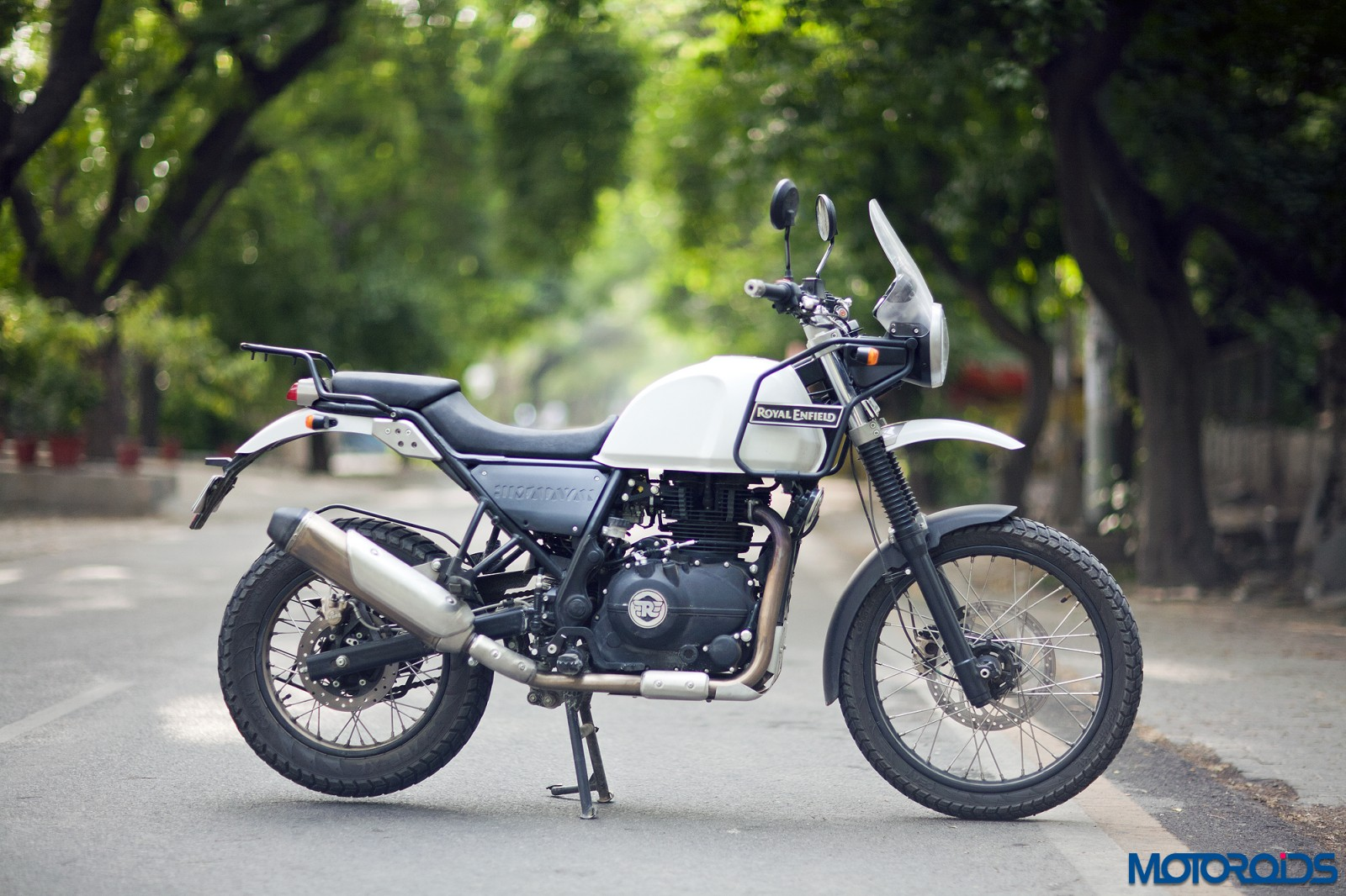 Motorcycle Riding Pants >> Royal Enfield Himalayan Review : The High Born | Motoroids