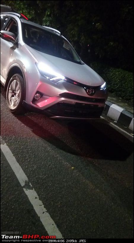Toyota RAV4 Kolkata (1)