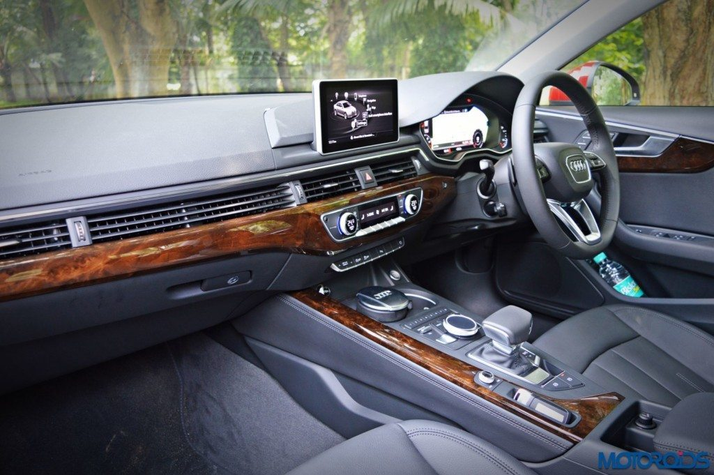 2016 Audi A4 cabin and center console (147)