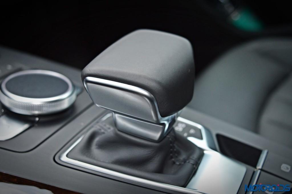 2016 Audi A4 gear selector(10)