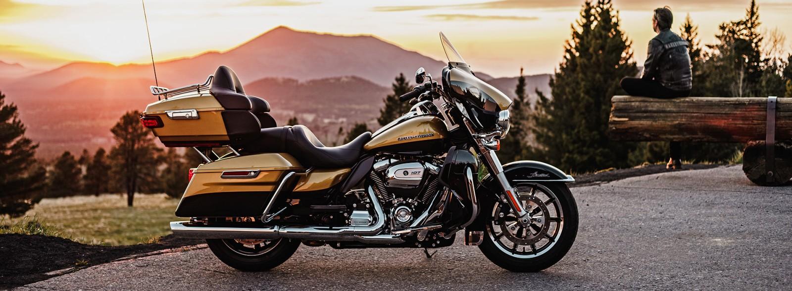 2017- Harley Davidson -Touring (1)