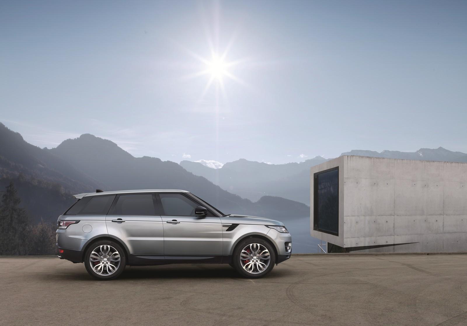 2017 Range Rover Sport exterior (4)