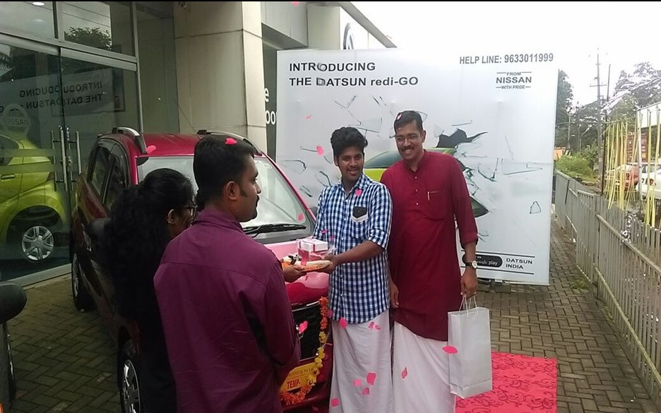 310 units of the Datsun redi-GO delivered to customers in Kerala during Chingam festivites (2)