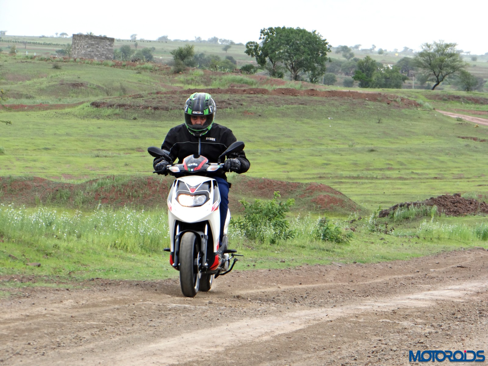 Aprilia SR 150 Review - Action Shots (1)