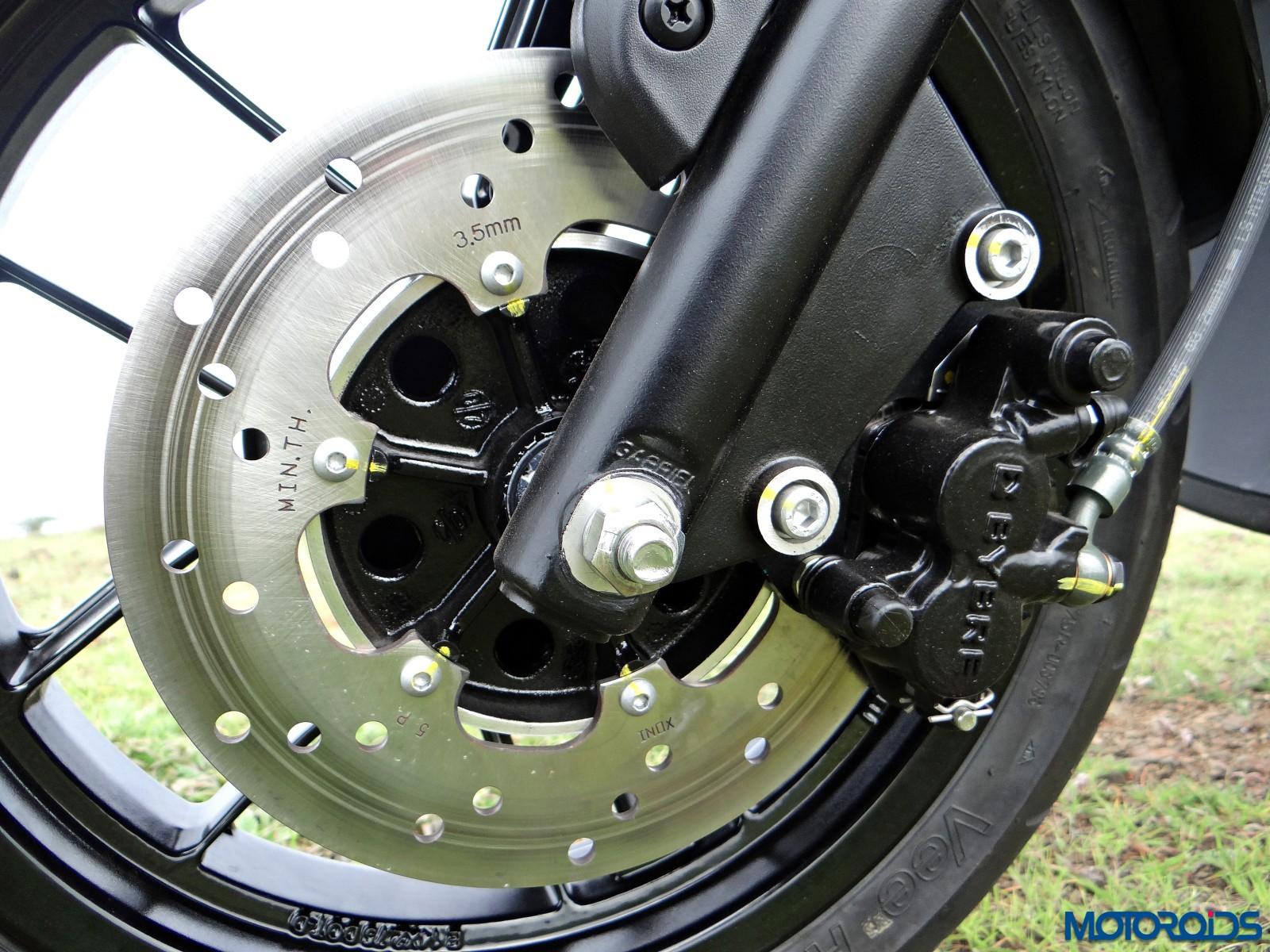 Aprilia SR 150 Review - Details - Brakes (1)