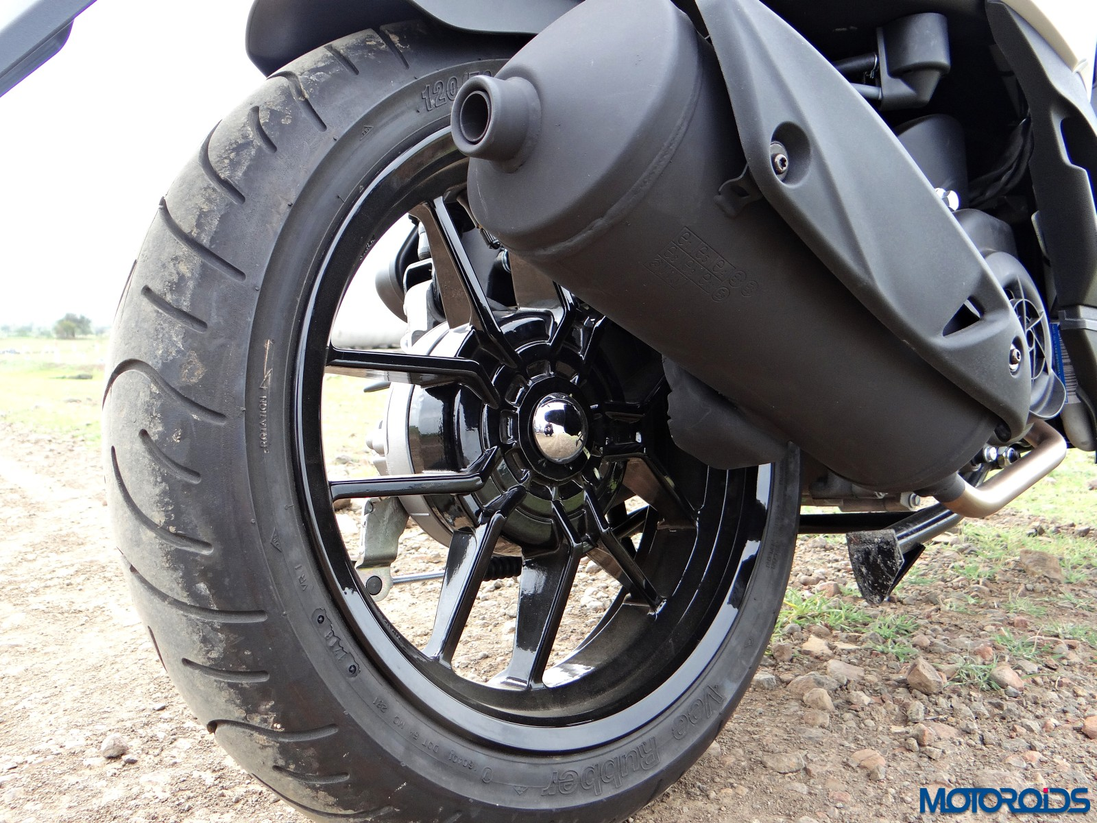 Aprilia SR 150 Review - Details - Wheels (5)