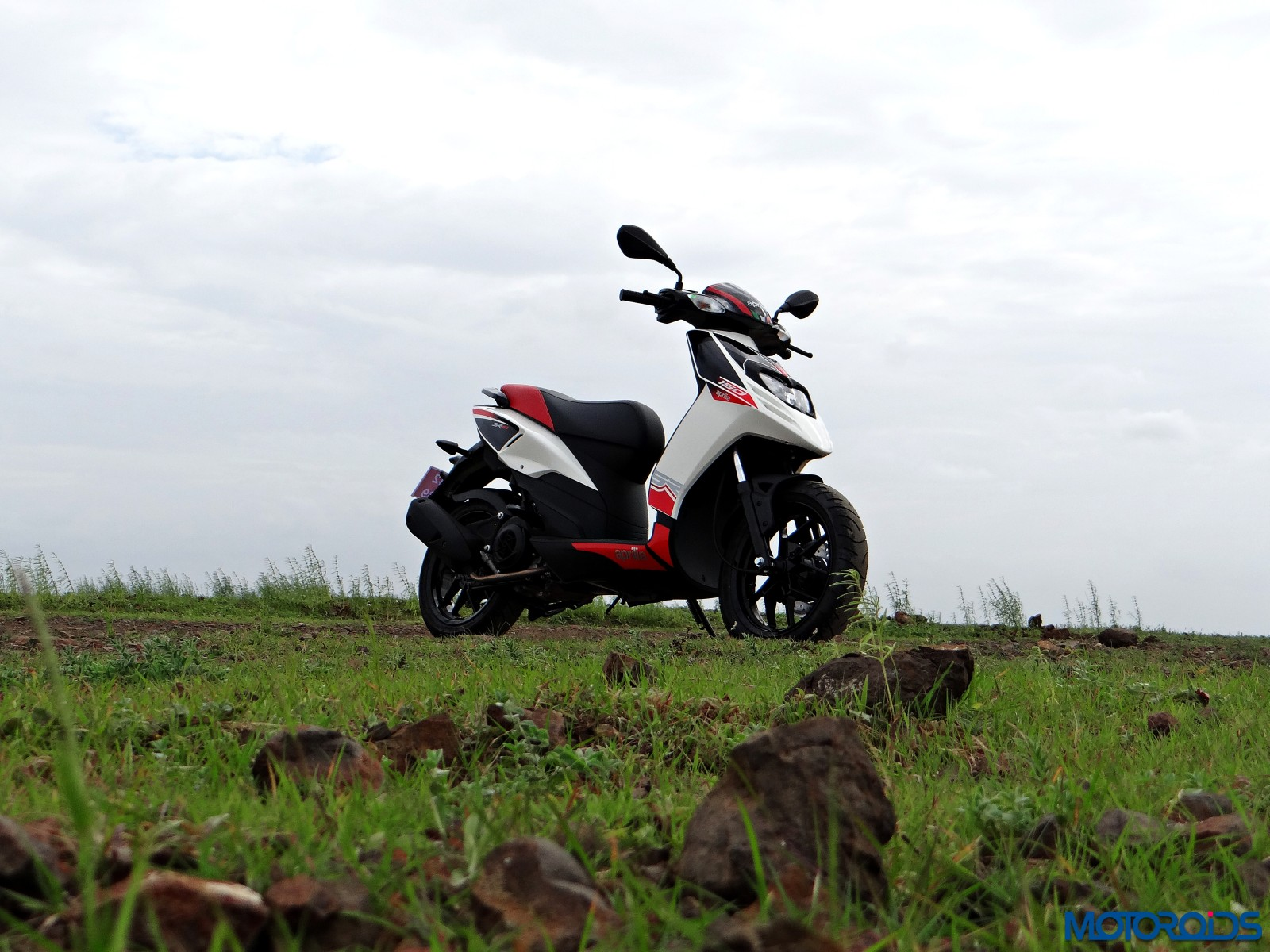 Aprilia SR 150 Review - Still Shots (13)