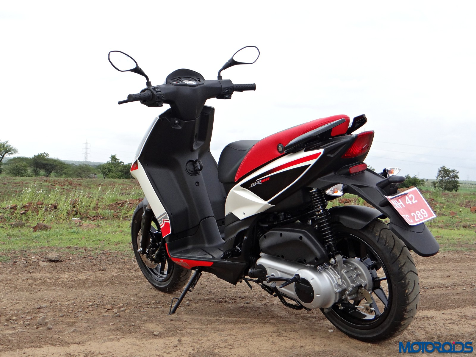 Aprilia SR 150 Review - Still Shots (19)