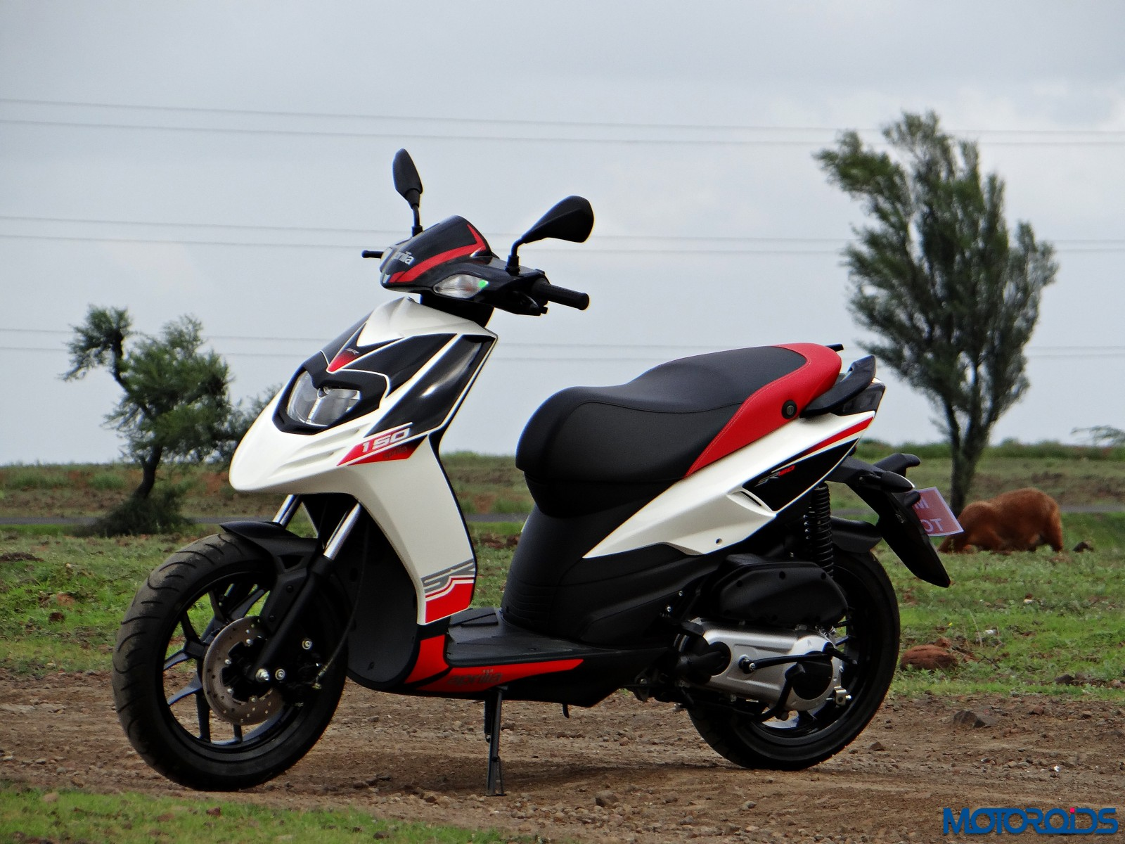 Aprilia SR 150 Review - Still Shots (22)