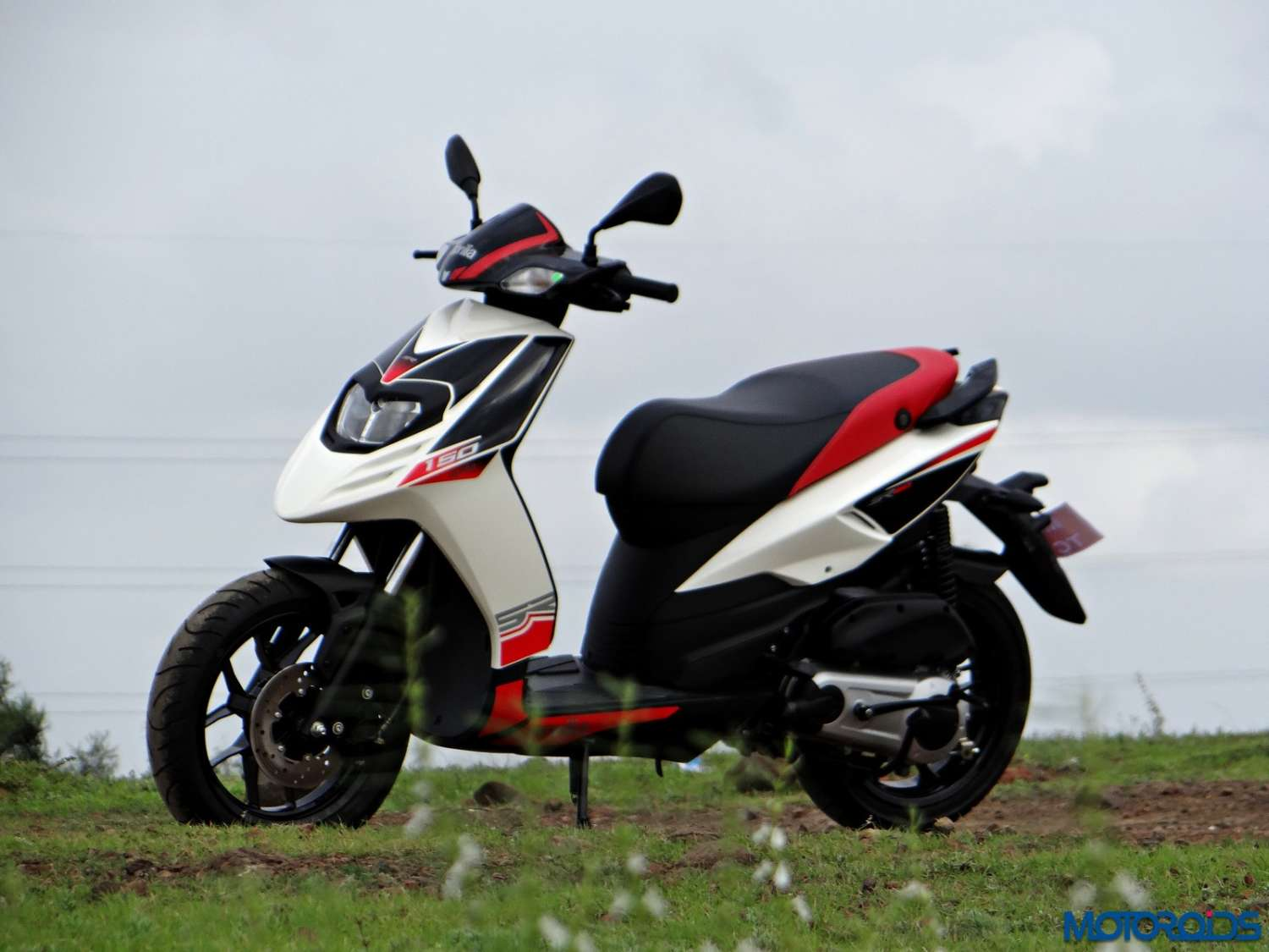 Aprilia SR 150 Review - Still Shots (23)