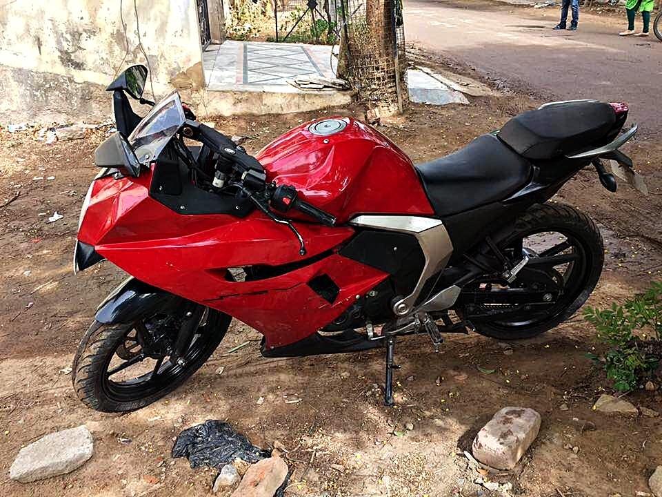 Customised Yamaha Fazer - Saurav Verma (15)