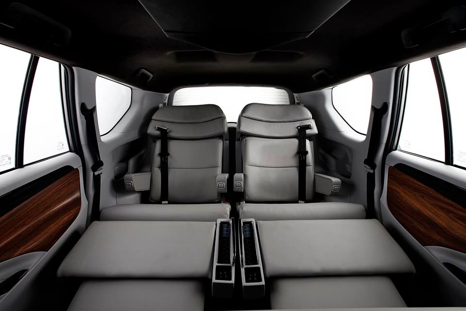 dc design will transform your innova crysta 39 s interiors into a private jet 39 s for inr lacs. Black Bedroom Furniture Sets. Home Design Ideas