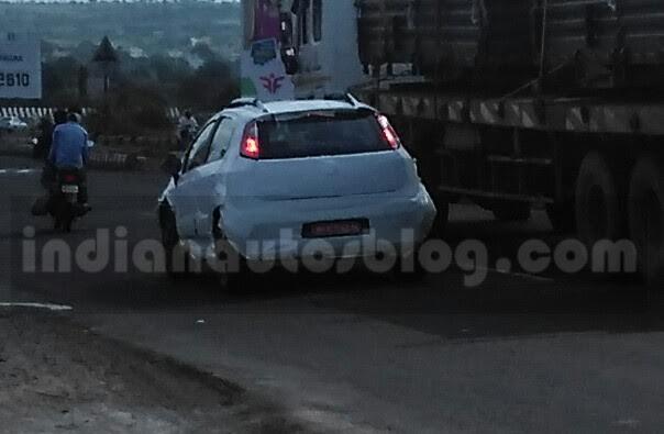 Fiat Avventura Urban Cross spied testing (2)