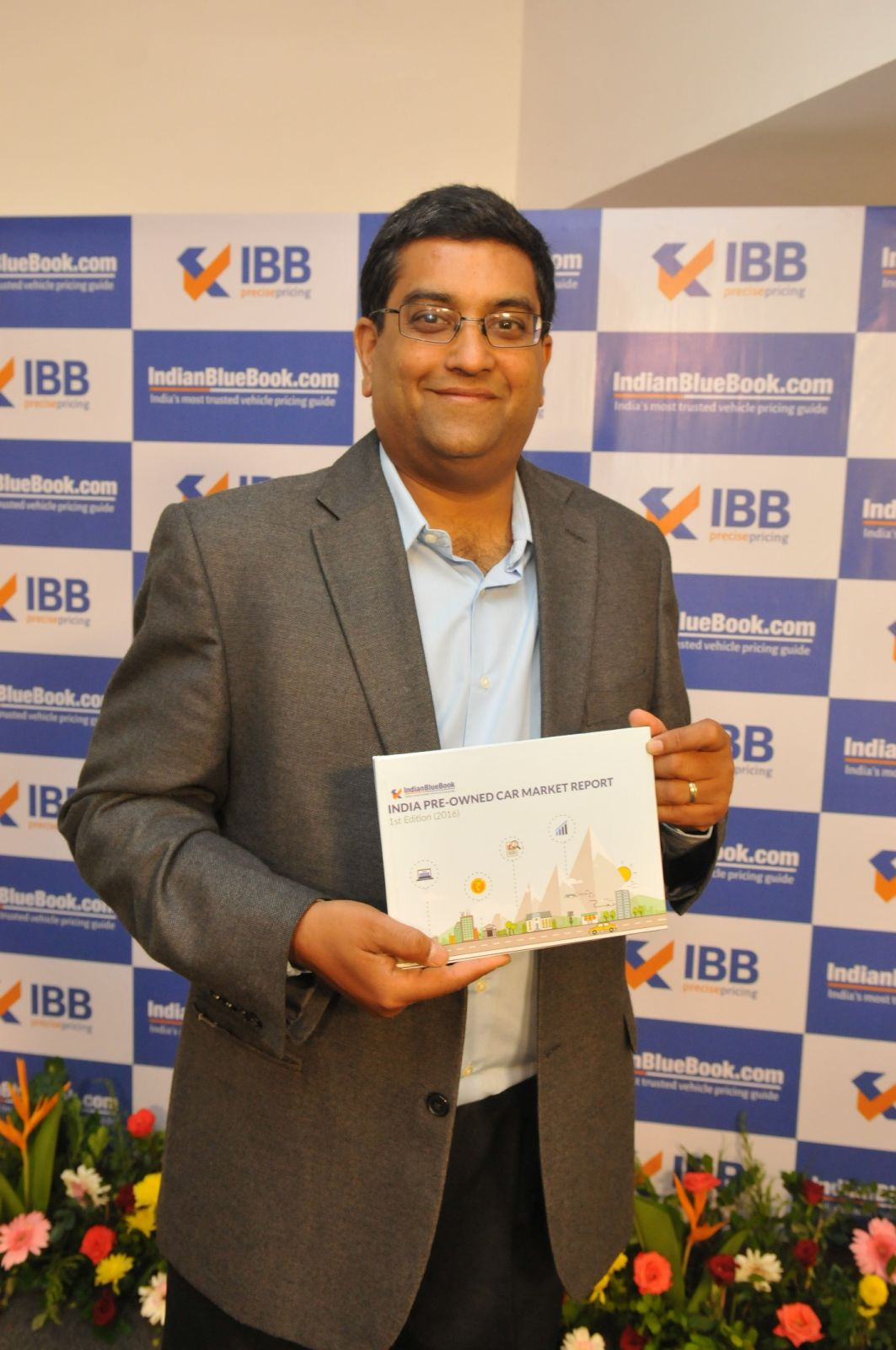 First edition of the India pre-owned car market report 2016 released by IndianBlueBook (2)