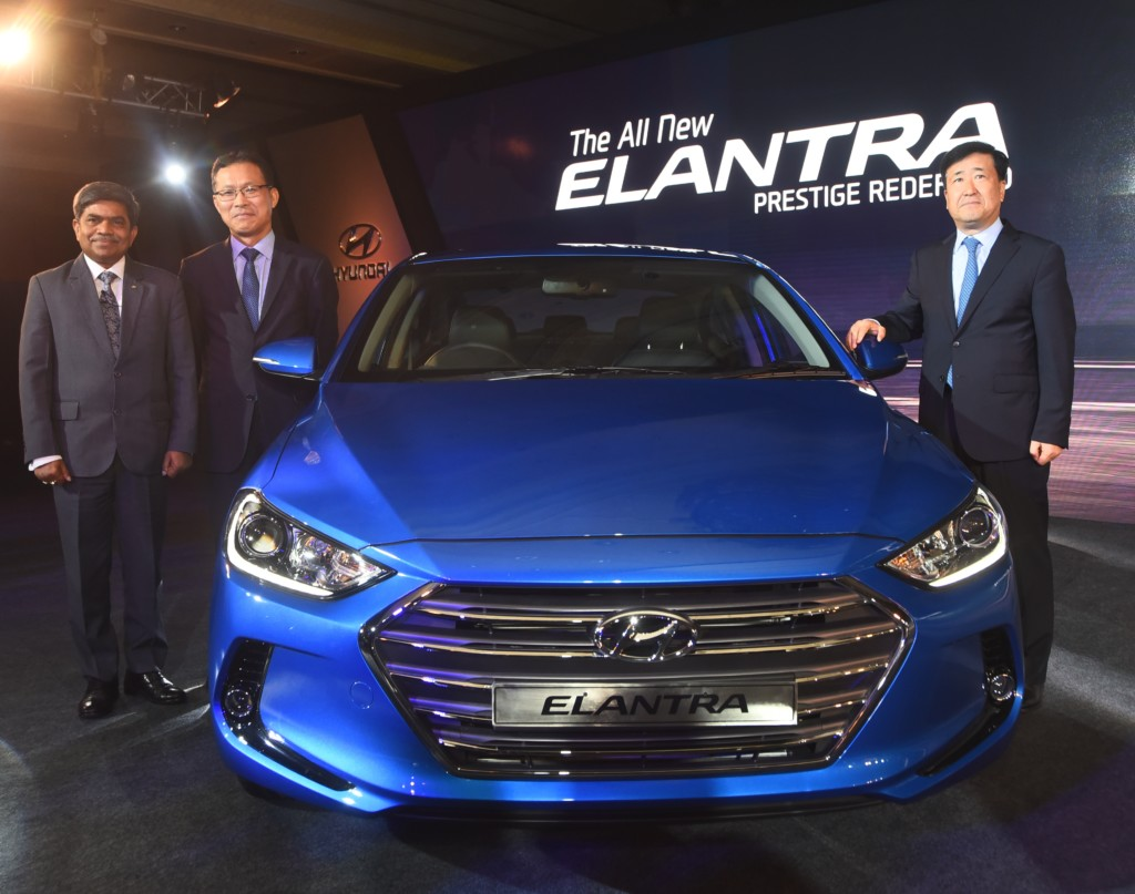 Mr. Y.K. Koo MD & CEO, Hyundai Motor India Ltd, Mr. B.S. Jeong, Director – Sales & Marketing, HMIL & Mr. Rakesh Srivastava, Sr. VP, Sales & Marketing, HMIL at the launch of All New Elantra at New Delhi
