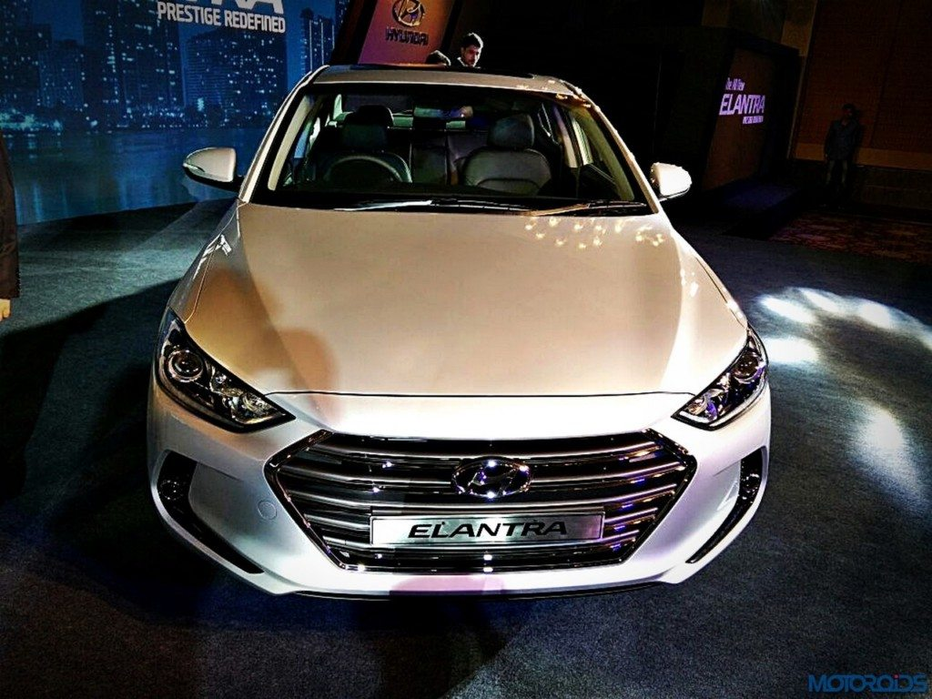 all new hyundai elantra launched in india prices start at inr lakhs motoroids. Black Bedroom Furniture Sets. Home Design Ideas