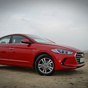 New Hyundai Elantra Review (Petrol – MT/AT): Methodical Continuance