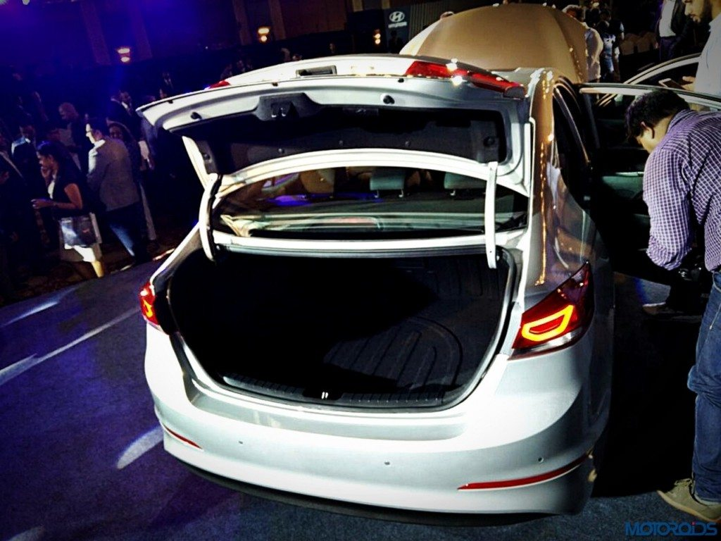 New Hyundai Elantra boot