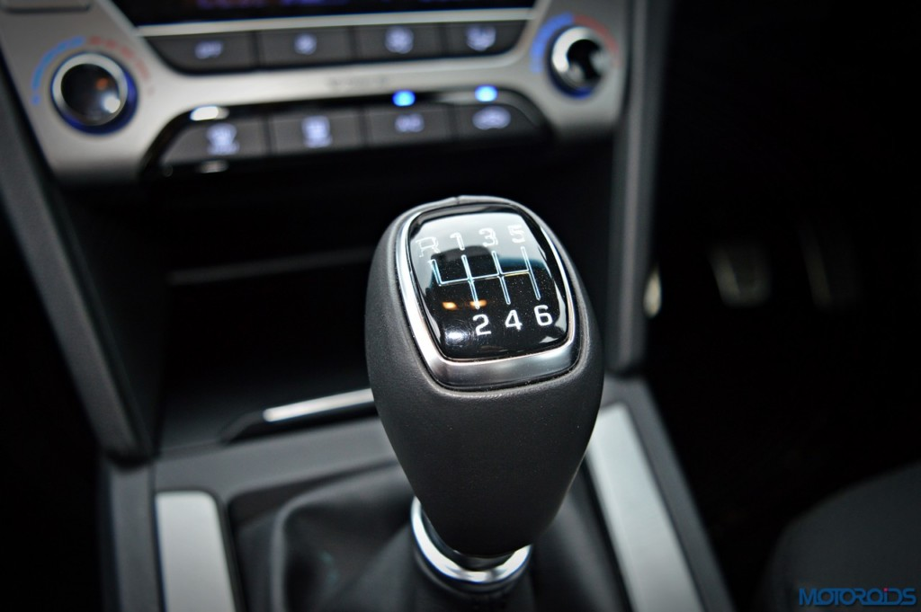 New Hyundai Elantra manual transmission (2)