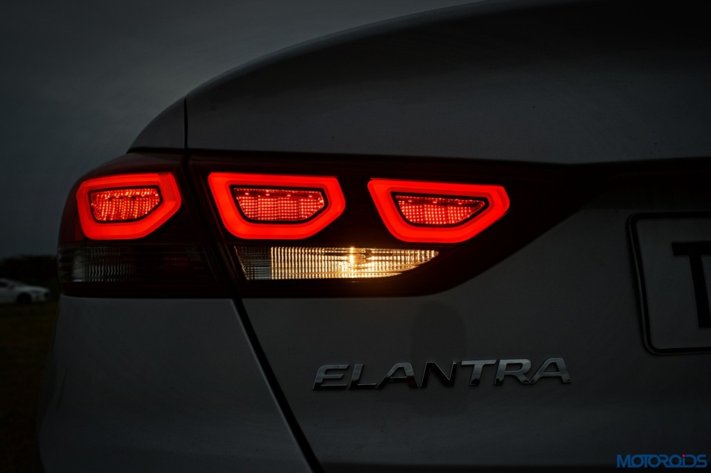 New Hyundai Elantra tail lamp (4)