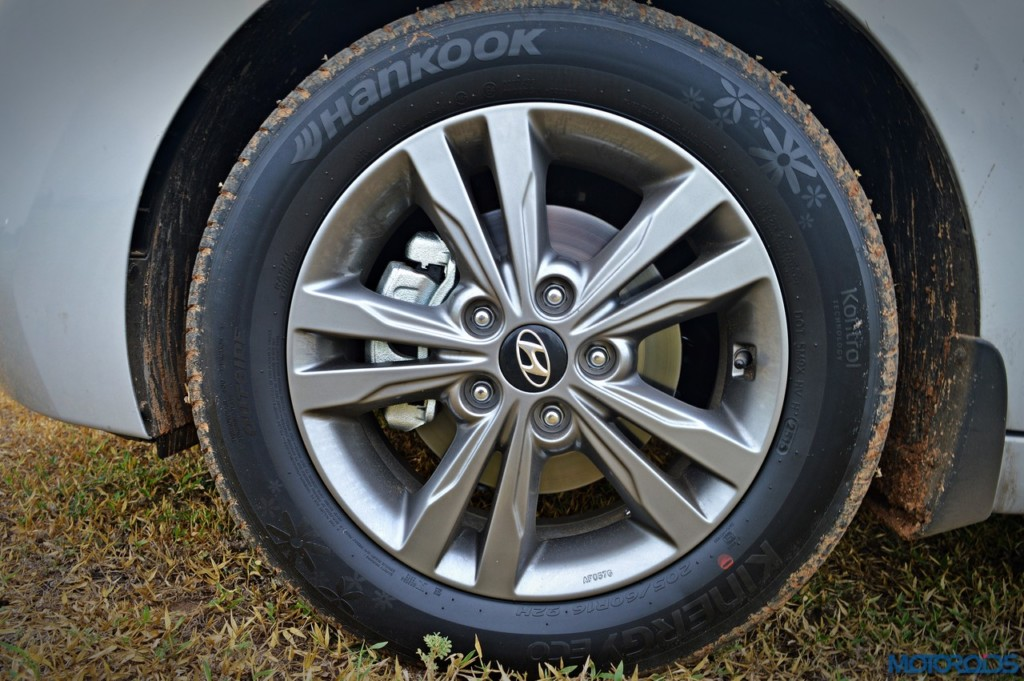New Hyundai Elantra wheel (1)