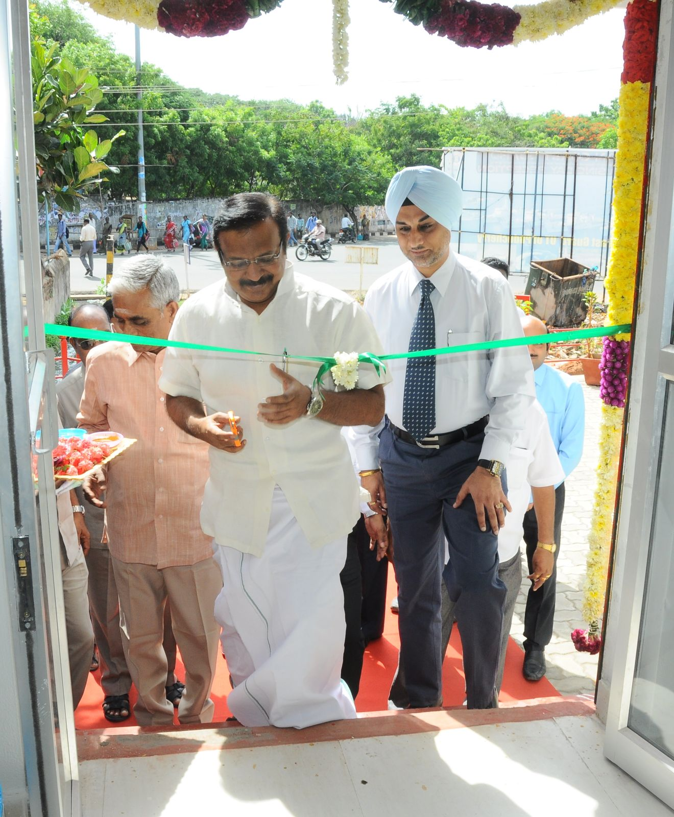 Nissan India opens new dealership in Puducherry (2)