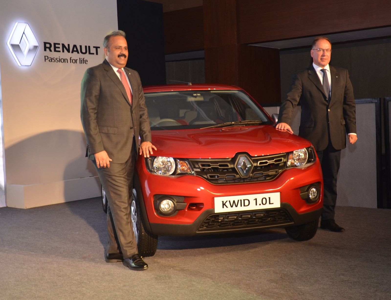 Official Renault Kwid 1.0L launched in India at INR 3,82,776 (Ex-showroom, Delhi)