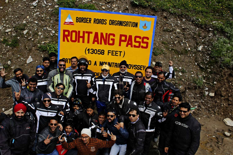 Rannvijay Singh with the Mahindra Mojo Tribe (7)