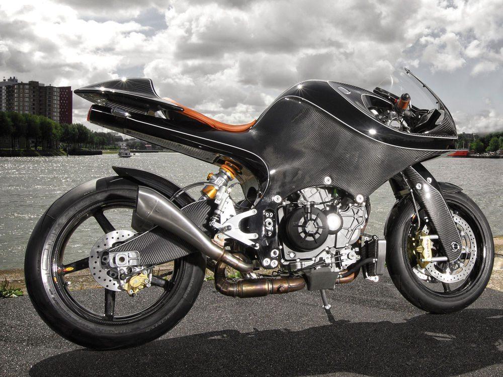 VanderHeide CarbonFibre Motorcycle (2)