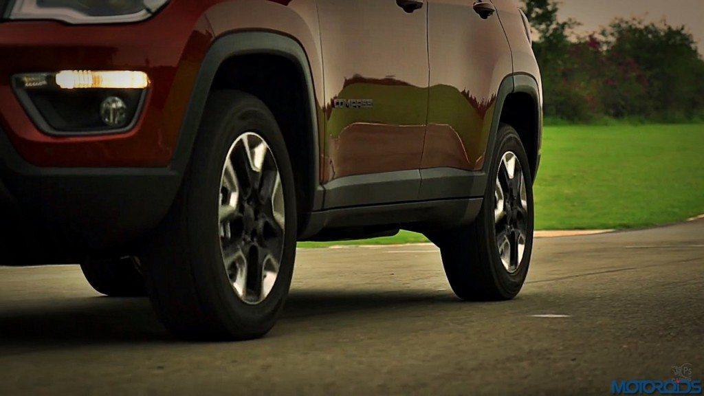 2017-jeep-compass-16