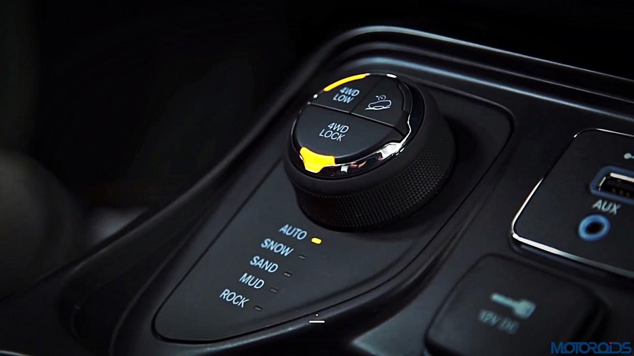 2017 jeep compass design review 39 chota cherokee 39 motoroids. Black Bedroom Furniture Sets. Home Design Ideas