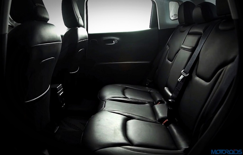 2017-jeep-compass-rear-seat