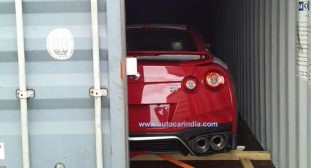 2017 Nissan GT-R spied in India (2)