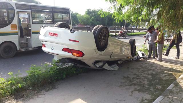 BMW 6 series accident Delhi