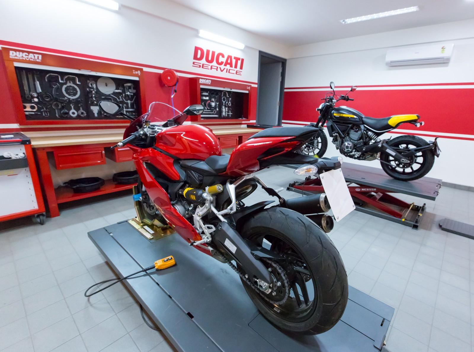 Ducati inaugurates new dealership in Ahmedabad (11)